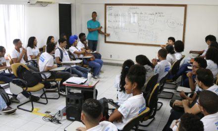 Programa estimula qualificação de jovens para mercado de trabalho