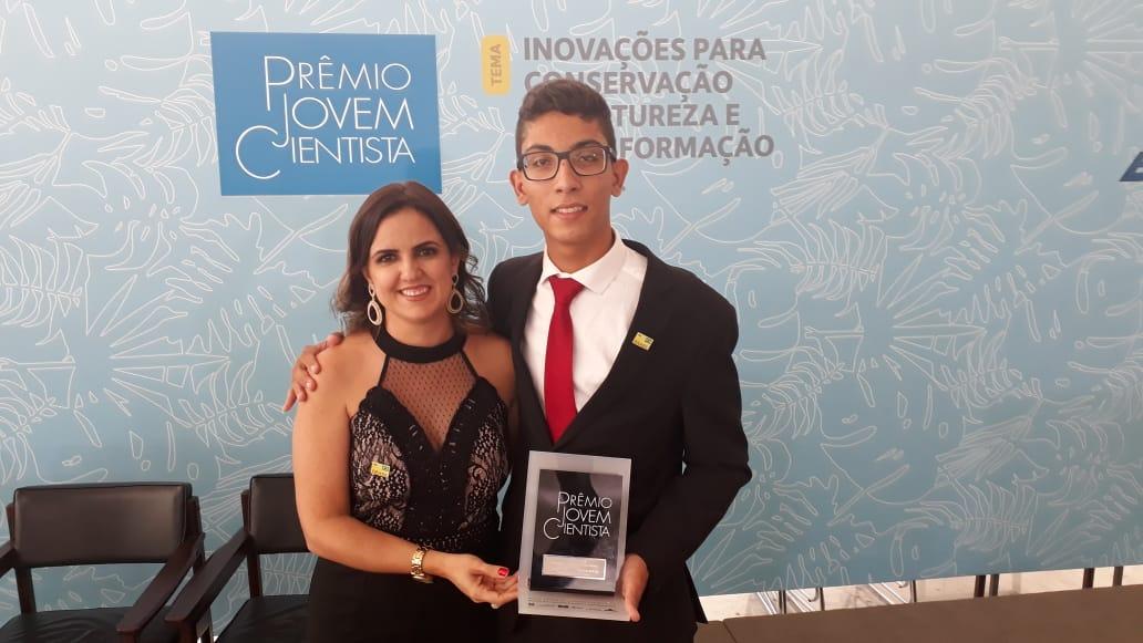 Estudante da zona rural de Caculé é premiado no 29º Prêmio Jovem Cientista