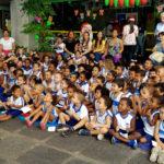Campanha de Natal da SDE leva 130 crianças de creche para cinema