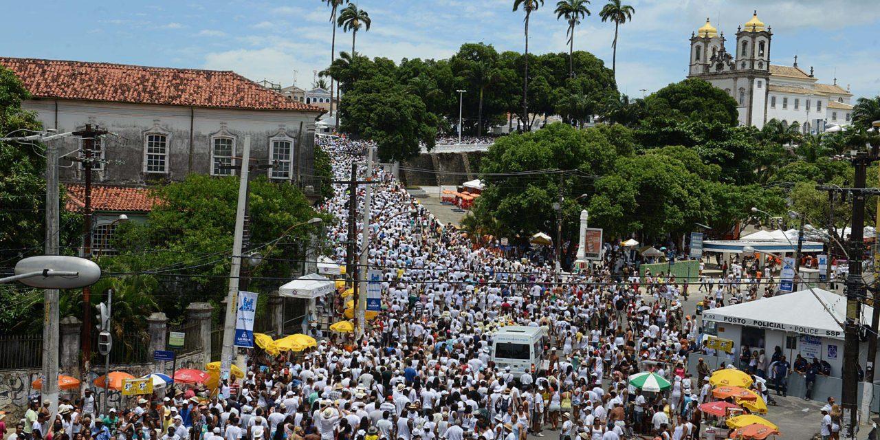 Alta estação e festas populares movimentam calendário de eventos de Salvador